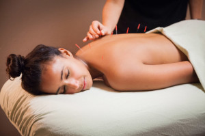Cum puteti beneficia de avantajele oferite de acupunctura?