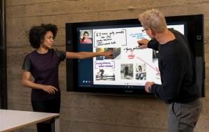 Ecranul tactil Surface Hub se afla printrele noutatile Microsoft