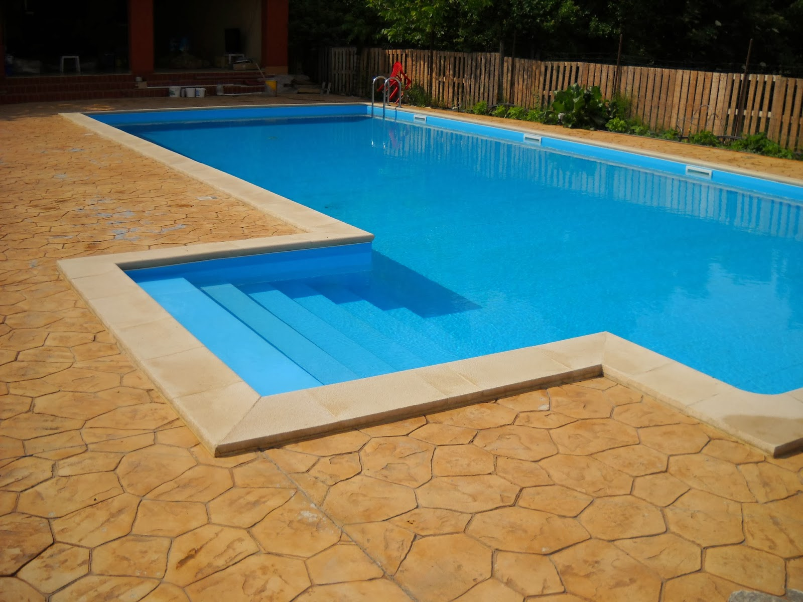 Cum mentinem apa curata in piscina?