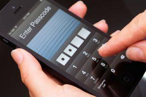 Ce presupune deblocarea unui smartphone?