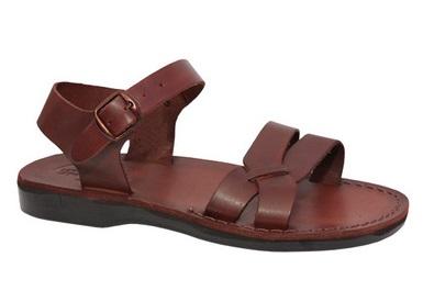 Cum purtam sandalele romane?