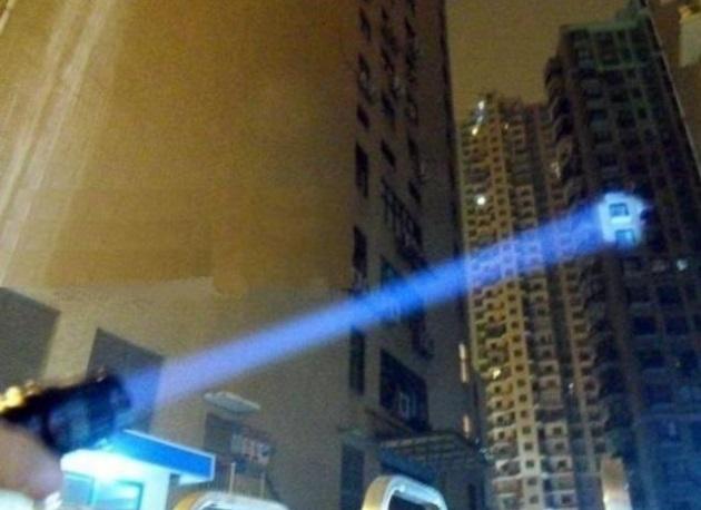 Lanterna pentru dezorientare a Politiei