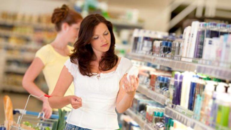 Cosmeticele, mai bune la salon decat la supermarket