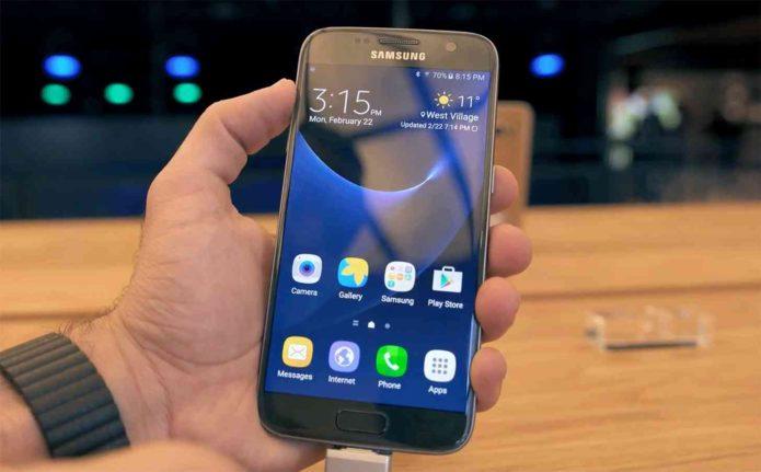Cat te costa inlocuirea display-ului pentru un Samsung Galaxy S7?