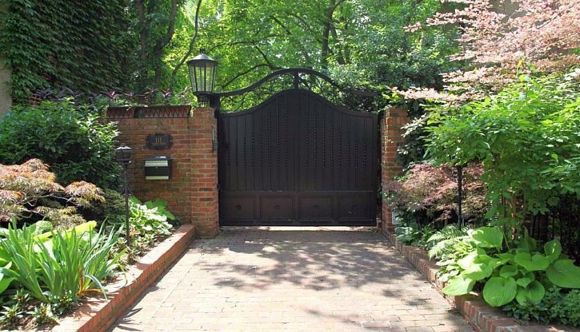 Cum alegi gardul si poarta pentru casa si gradina ta?
