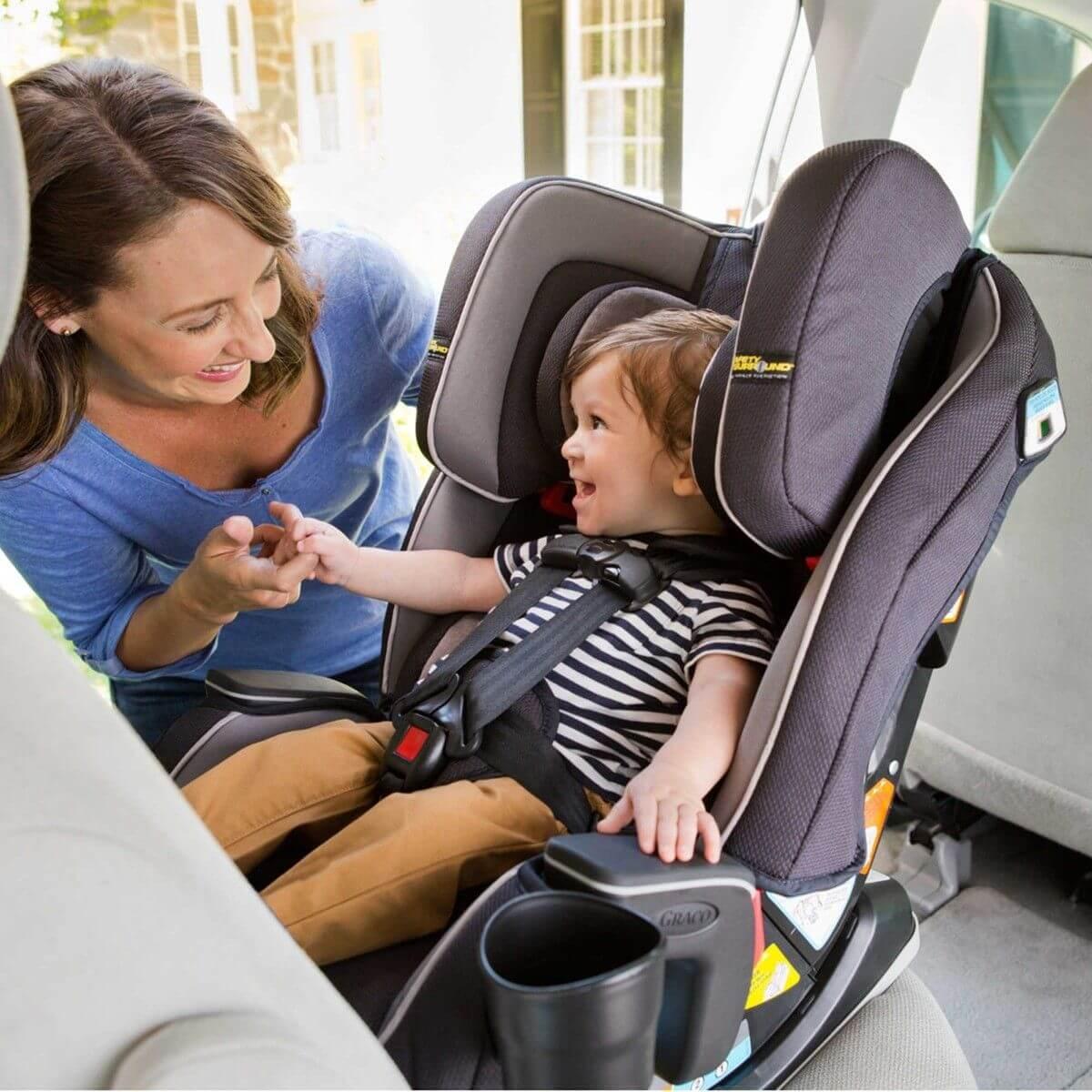 Scaunul auto care creste impreuna cu cel mic