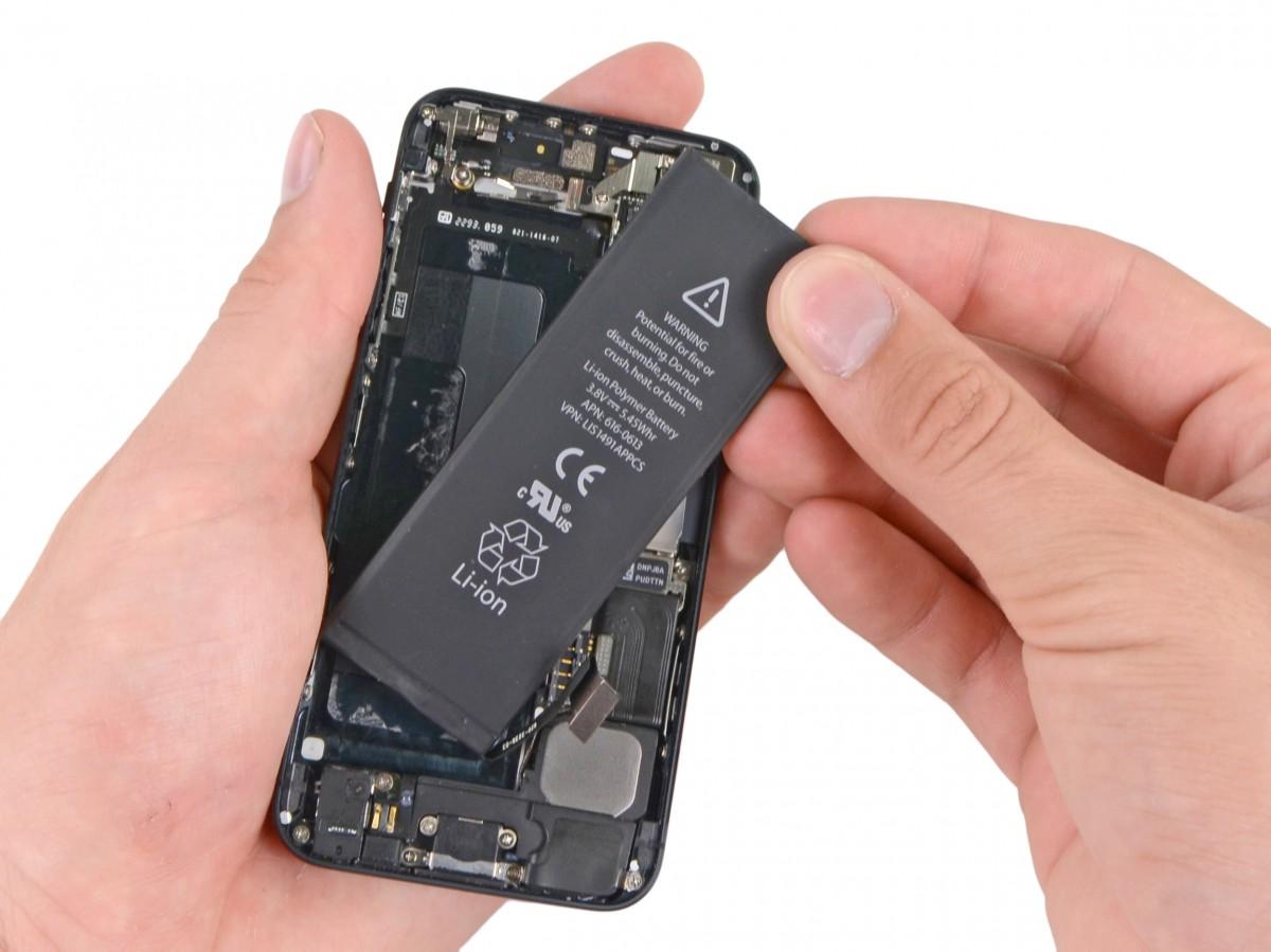 Cum sa remediati problemele de viata a bateriei iPhone SE