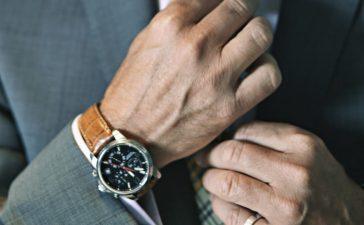 8 reguli pentru a purta corect ceasul de mana, de fiecare data