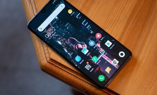 Cateva aplicatii ciudate pentru telefonul mobil